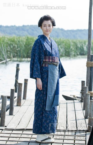 菊地凛子饰演的田鹤是电影中非常关键的人物