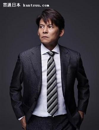 织田裕二在《股价暴跌》中造型