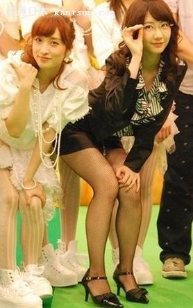 可爱日本丝袜小美女